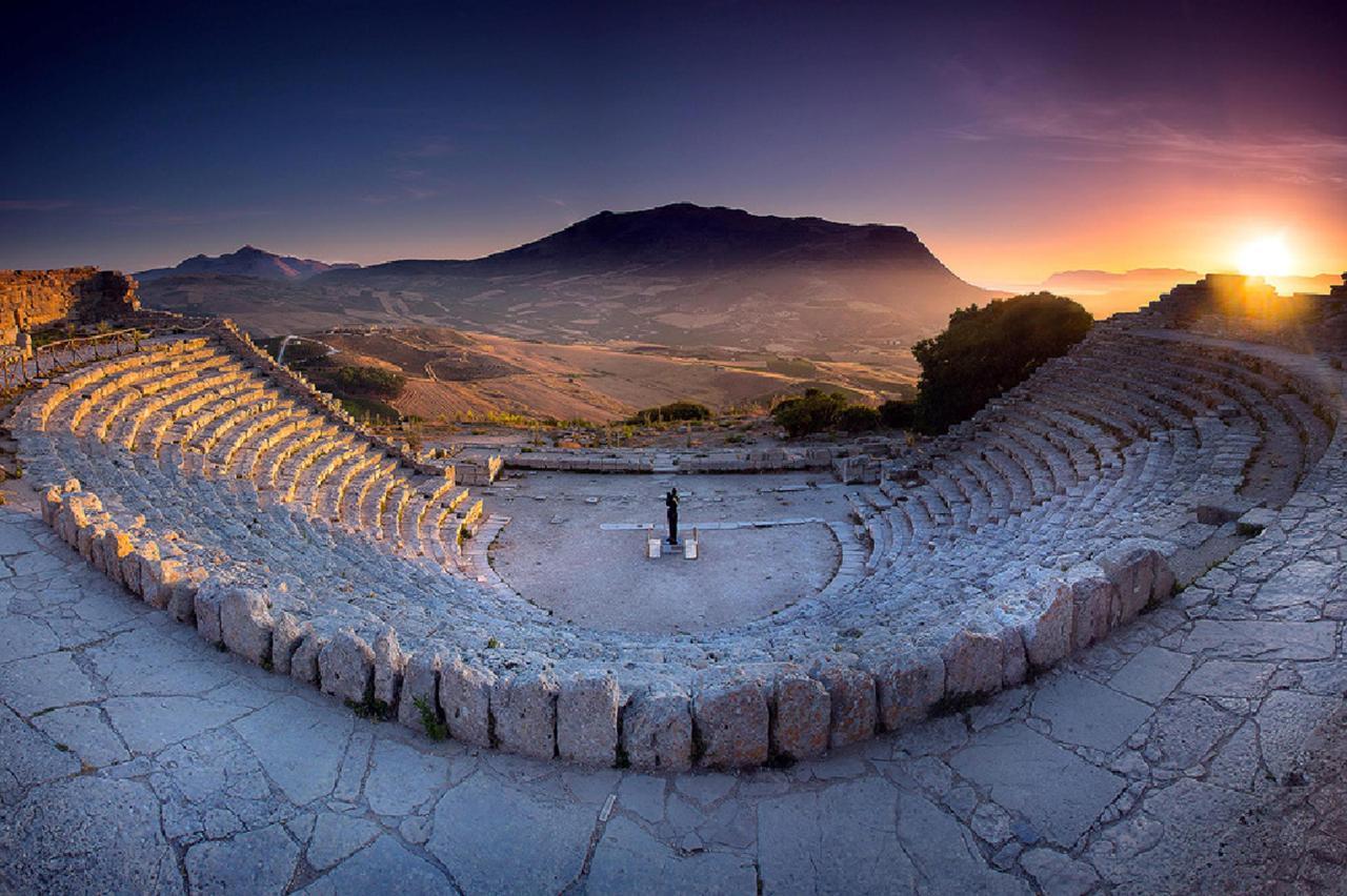 Anfiteatro di Segesta: le cose da visitare dal B&B La Rosa dei Venti a Marsala Stagnone